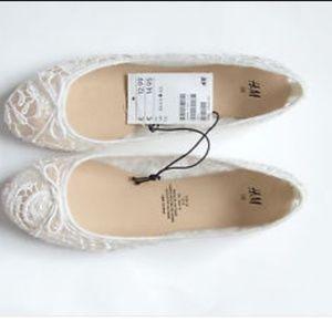 H & M White Lace Flats size 8